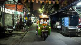 photo 2/5 - Bangkok Nites - © Survivance