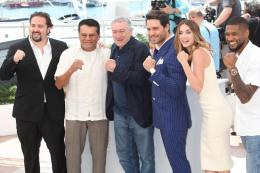 photo 43/48 - Présentation du film Hands of Stone au 69ème Festival de Cannes 2016 - Cannes 2016 : Robert de Niro met K.O la Croisette ! - © Isabelle Vautier pour @CommeAuCinema