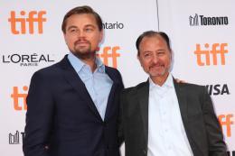 photo 11/14 - Leonardo DiCaprio, Fisher Stevens - Tapis Rouge du Festival de Toronto 2016 - Before the Flood - © Isabelle Vautier pour @Commeaucinema.com