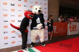 photo 28/36 - Tapis Rouge Mascots - Mascots - © Isabelle Vautier pour @Commeaucinema.com