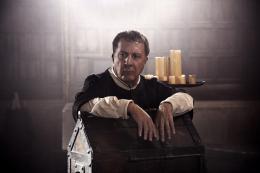 photo 9/24 - Dustin Hoffman - Les Médicis, Maîtres de Florence - Saison 1 - © Fabio Lovino - Wild Side
