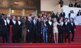 photo 22/66 - Cannes 2017 : Tapis - 120 Battements par Minute - © Isabelle Vautier pour CommeAuCinema.com