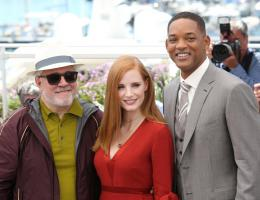 photo 13/65 - Photocall Jury Cannes 2017 : Jessica Chastain et Will Smith complices sur le tapis rouge - © Isabelle Vautier pour CommeAuCinema.com