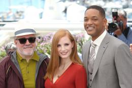 photo 44/65 - Photocall Jury Cannes 2017 : Jessica Chastain et Will Smith complices sur le tapis rouge - © Isabelle Vautier pour CommeAuCinema.com
