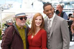 photo 15/65 - Photocall Jury Cannes 2017 : Jessica Chastain et Will Smith complices sur le tapis rouge - © Isabelle Vautier pour CommeAuCinema.com