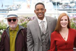 photo 62/65 - Photocall Jury Cannes 2017 : Jessica Chastain et Will Smith complices sur le tapis rouge - © Isabelle Vautier pour CommeAuCinema.com