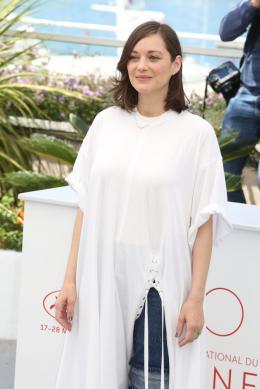 photo 23/460 - Photocall Cannes 2017 Les fantômes d'Ismael - Marion Cotillard - © Isabelle Vautier pour CommeAuCinema.com