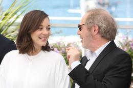 photo 25/460 - Photocall Cannes 2017 Les fantômes d'Ismael - Marion Cotillard - © Isabelle Vautier pour CommeAuCinema.com
