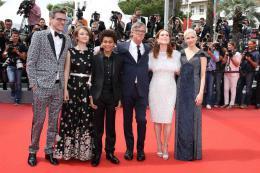 photo 17/26 - Festival de Cannes 2017 - Cannes 2017 : l'équipe de Wonderstruck monte les marches ! - © Isabelle Vautier pour CommeAuCinema.com