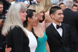 photo 13/31 - Festival de Cannes 2017 - Cannes 2017 : l'équipe de Faute d'amour (Loveless) et les peoples foulent le tapis rouge - © Isabelle Vautier pour CommeAuCinema.com