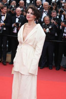 photo 5/31 - Festival de Cannes 2017 - Cannes 2017 : l'équipe de Faute d'amour (Loveless) et les peoples foulent le tapis rouge - © Isabelle Vautier pour CommeAuCinema.com