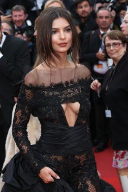 photo 30/31 - Festival de Cannes 2017 - Cannes 2017 : l'équipe de Faute d'amour (Loveless) et les peoples foulent le tapis rouge - © Isabelle Vautier pour CommeAuCinema.com