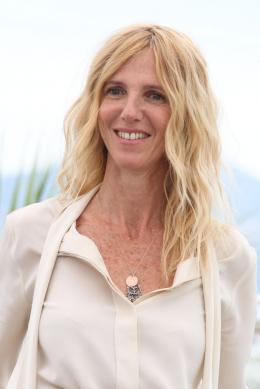 photo 8/12 - Sandrine Kiberlain - Photocall Cannes 2017 : Le Jury de la Caméra d'Or est arrivé  - © Isabelle Vautier pour CommeAuCinema.com