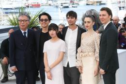photo 15/21 - Festival de Cannes 2017 - Photocall Cannes 2017 : l'équipe d'Okja pose devant les photographes - © Isabelle Vautier pour CommeAuCinema.com