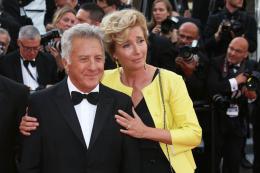 photo 62/76 - The Meyerowitz Stories - Montées des Marches - Cannes 2017 - Cannes 2017 : une pluie de stars sur le tapis rouge du Noah Baumbach - © Isabelle Vautier pour CommeAuCinema.com
