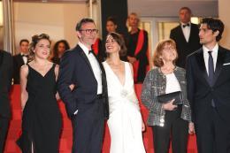 photo 19/21 - Le Redoutable - Montée des marches - Cannes 2017 : Michel Hazanavicius et son équipe montent les marches pour Le Redoutable - © Isabelle Vautier pour CommeAuCinema.com