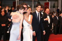 photo 15/21 - Le Redoutable - Montée des marches - Cannes 2017 : Michel Hazanavicius et son équipe montent les marches pour Le Redoutable - © Isabelle Vautier pour CommeAuCinema.com