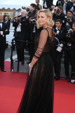 photo 34/173 - 70 ans du Festival de Cannes - Cannes 2017 : Une montée des marches exceptionnelle pour les 70 ans du Festival - © Isabelle Vautier pour CommeAuCinema.com