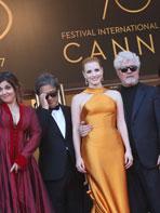 photo 1/173 - 70 ans du Festival de Cannes - Cannes 2017 : Une montée des marches exceptionnelle pour les 70 ans du Festival - © Isabelle Vautier pour CommeAuCinema.com