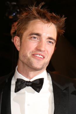 photo 9/21 - Good Time Tapis - Cannes 2017 : Robert Pattinson enflamme le tapis rouge - © Isabelle Vautier pour CommeAuCinema.com