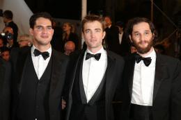 photo 3/21 - Good Time Tapis - Cannes 2017 : Robert Pattinson enflamme le tapis rouge - © Isabelle Vautier pour CommeAuCinema.com