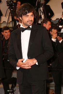 photo 16/21 - Good Time Tapis - Cannes 2017 : Robert Pattinson enflamme le tapis rouge - © Isabelle Vautier pour CommeAuCinema.com