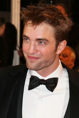 photo 8/21 - Good Time Tapis - Cannes 2017 : Robert Pattinson enflamme le tapis rouge - © Isabelle Vautier pour CommeAuCinema.com