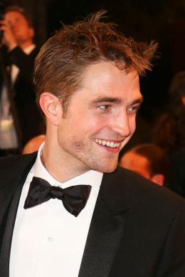 photo 17/21 - Good Time Tapis - Cannes 2017 : Robert Pattinson enflamme le tapis rouge - © Isabelle Vautier pour CommeAuCinema.com