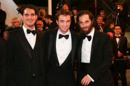 photo 1/21 - Good Time Tapis - Cannes 2017 : Robert Pattinson enflamme le tapis rouge - © Isabelle Vautier pour CommeAuCinema.com
