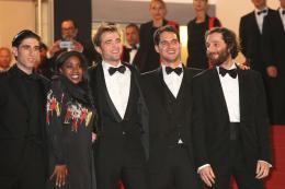 photo 12/21 - Good Time Tapis - Cannes 2017 : Robert Pattinson enflamme le tapis rouge - © Isabelle Vautier pour CommeAuCinema.com
