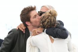 photo 5/16 - Nos années folles Photocall - Cannes 2017 : Céline Sallette et Pierre Deladonchamps complices sur le tapis rouge - © Isabelle Vautier pour CommeAuCinema.com