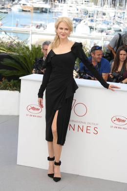 photo 15/33 - Top of the lake Photocall - Cannes 2017 : Magnifiques Nicole Kidman et Elisabeth Moss pour Top of the lake - © Isabelle Vautier pour CommeAuCinema.com