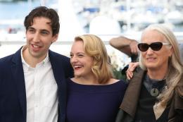 photo 2/33 - Top of the lake Photocall - Cannes 2017 : Magnifiques Nicole Kidman et Elisabeth Moss pour Top of the lake - © Isabelle Vautier pour CommeAuCinema.com