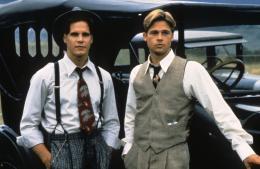 Et au milieu coule une rivière  Craig Sheffer et Brad Pitt photo 5 sur 5