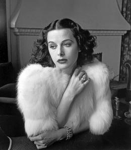 photo 1/9 - Bombshell : The Hedy Lamarr Story - © Urban Distribution