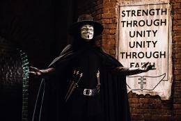 V pour Vendetta Hugo Weaving photo 8 sur 46