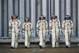 photo 130/143 - Un ticket pour l'espace - Marina Fo�s