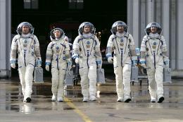 photo 129/143 - Un ticket pour l'espace - Marina Fo�s