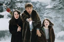 photo 16/61 - Georgie Henley, William Moseley, Anna Popplewell - Le Monde de Narnia - Chapitre 1 : Le Lion, la Sorcière Blanche et l'Armoire Magique