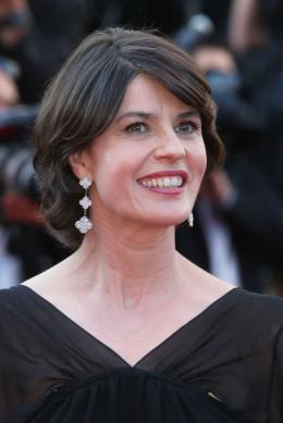 Irène Jacob Cannes 2017 Clôture Tapis photo 1 sur 68