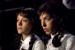 Sisters Chloë Sevigny et Lou Doillon photo 8 sur 16