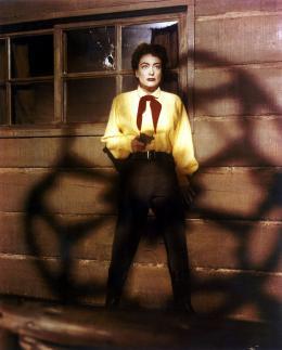 photo 3/3 - Johnny Guitare - © Swashbuckler Films