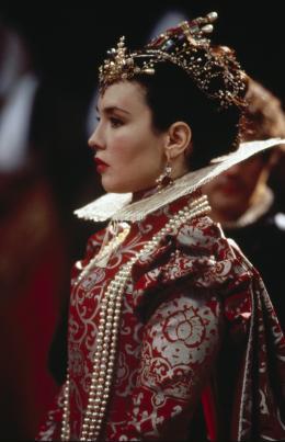 photo 2/19 - Isabelle Adjani - La Reine Margot - © Pathé Distribution