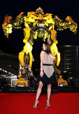 photo 68/77 - Megan Fox - Conf�rence de presse � S�oul - Transformers - © Paramount