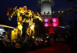 photo 57/77 - Conférence de presse à Séoul - Transformers - © Paramount