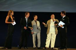 photo 43/77 - Michael Bay, Shia Labeouf, Lorenzo di Bonaventura - Avant-Premi�re en Italie - Transformers - © Paramount
