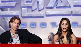 photo 70/77 - Michael Bay, Megan Fox - Conf�rence de presse � S�oul - Transformers - © Paramount