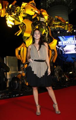 photo 59/77 - Megan Fox - Conf�rence de presse � S�oul - Transformers - © Paramount