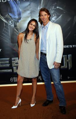 photo 51/77 - Megan Fox, Michael Bay - Conf�rence de presse � S�oul - Transformers - © Paramount