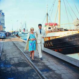 photo 6/10 - Catherine Deneuve, Nino Castelnuovo - Les parapluies de Cherbourg - © Ciné-Tamaris, photo Leo Weisse